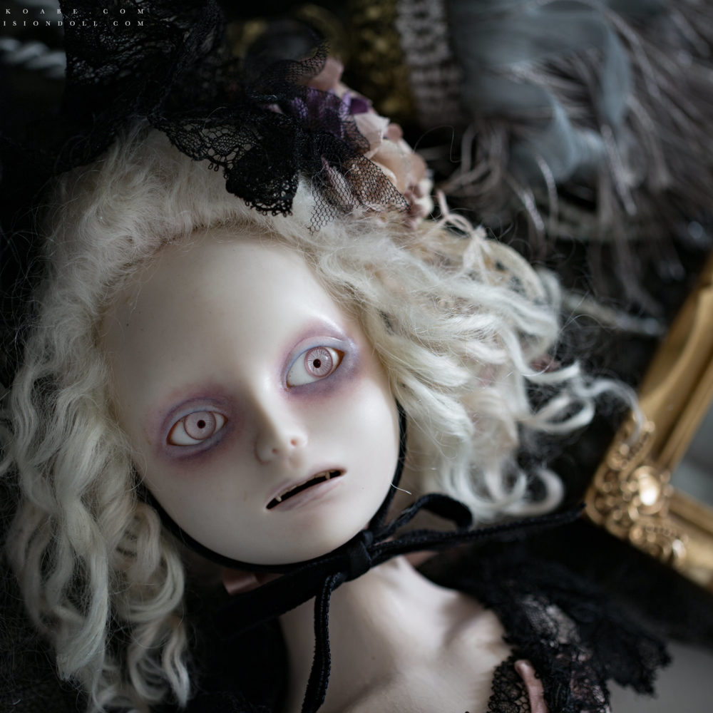 PORTRAIT -Bisqur doll-